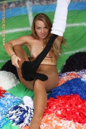 zoligirls-cheerleader-socks-pantyhose-04