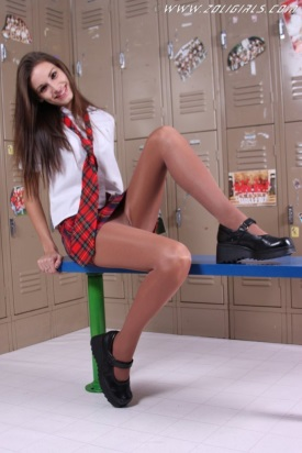 zoligirls-schoolgirl-pantyhose-cutie-02
