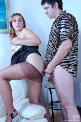 secretary-pantyhose-miriam-adam-horny-office-pantyhosers-03