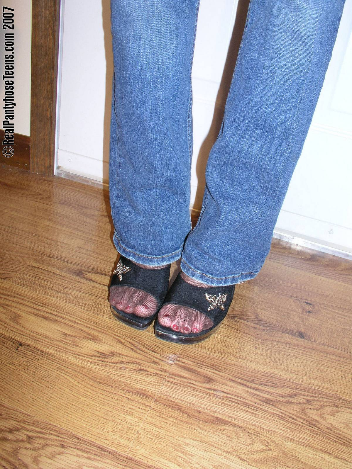 Jeans and pantyhose pics