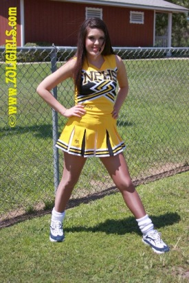 sexy-cheerleader-girl-15