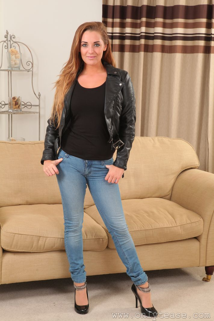 Over pantyhose Jeans