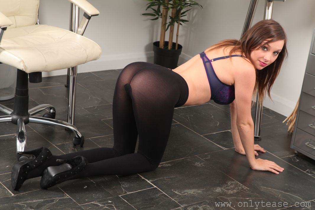 Content Pantyhose Sex 3