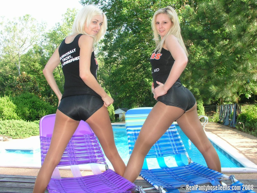 hooter girls in pantyhose № 175399