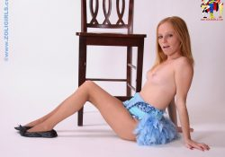 teen dancer in pantyhose