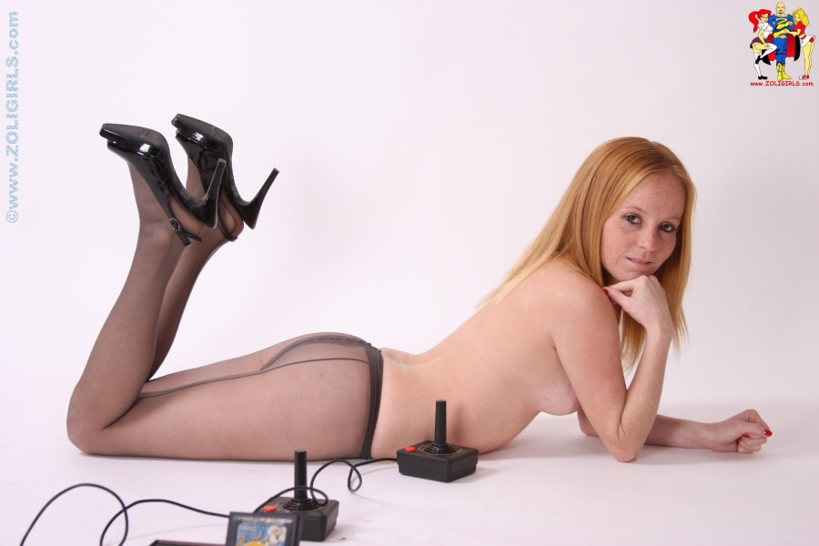 control-top-black-pantyhose-orgy-lesbian-grind-sex