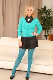 Her Free Pantyhose Gallery Robyn Was 26