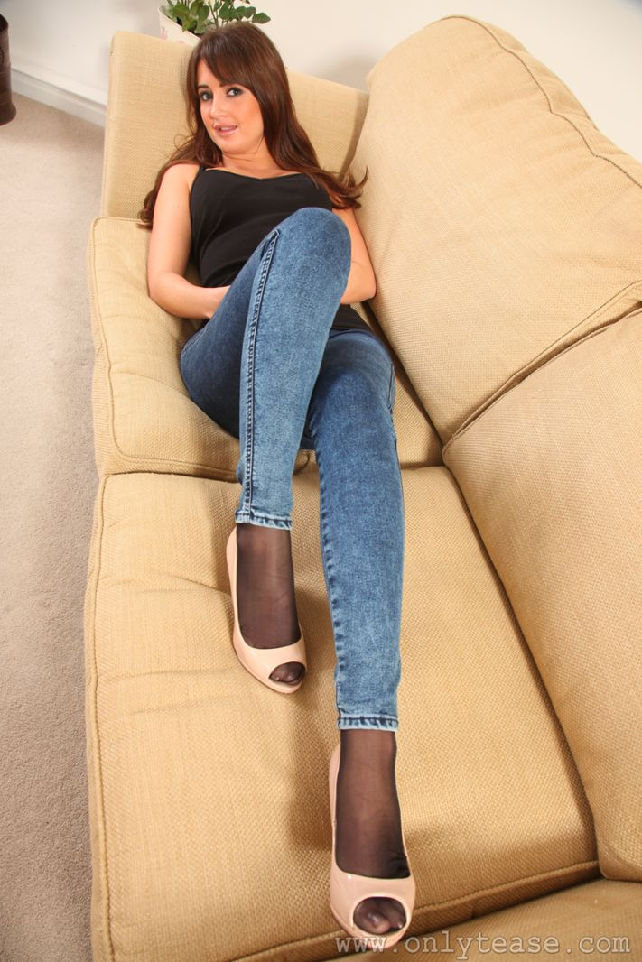 Jeans with pantyhose 2