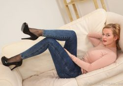 OnlyTease Erica jeans over pantyhose