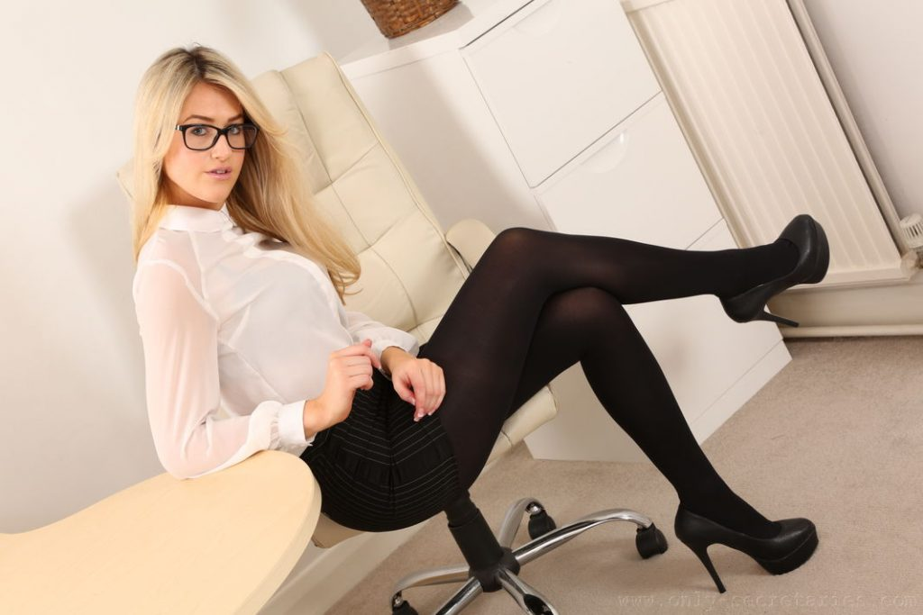 Only Secretaries Lola A Pantyhose