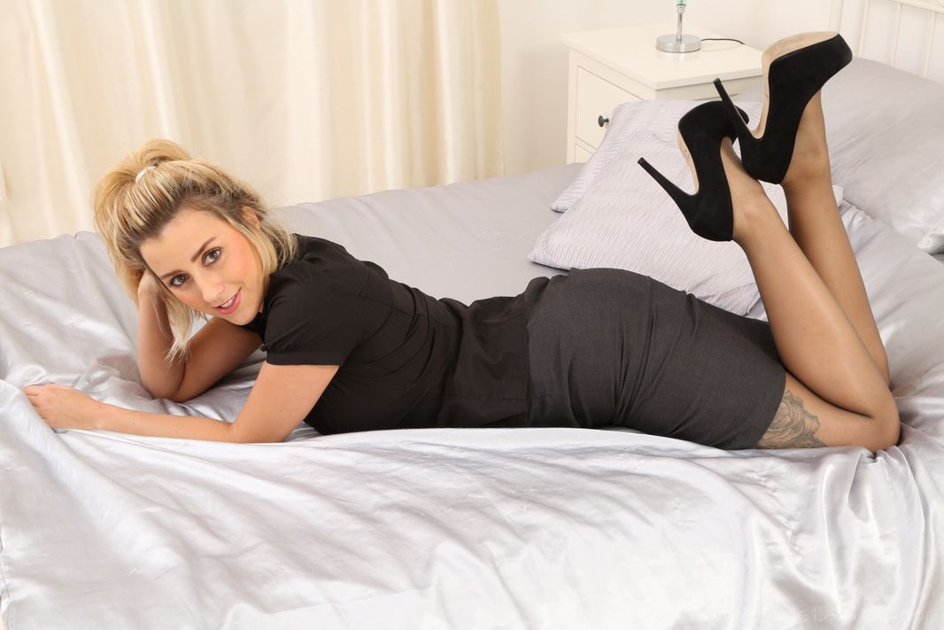 Only Secretaries Frankie B pantyhose