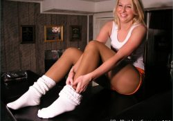 Real Pantyhose Teens Katie Hooters uniform