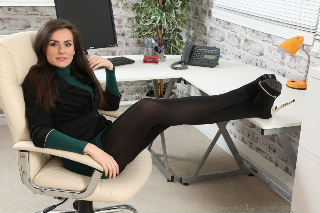 Only Opaque Charlie Rose pantyhose