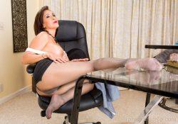 Ronis Paradise secretary pantyhose